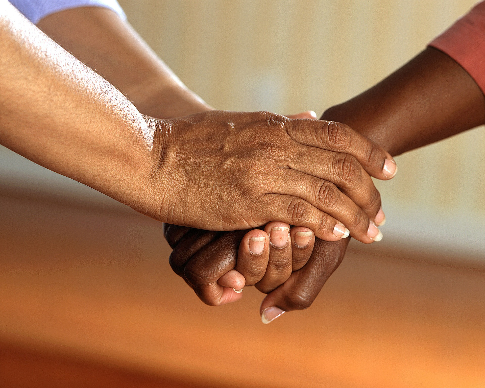 clasped-hands-541849_1920-2