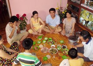 vietnamese-family-meal