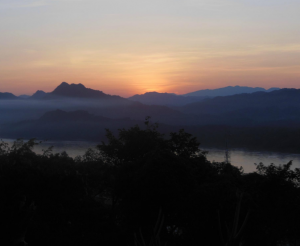 sunset-at-mount-phusi
