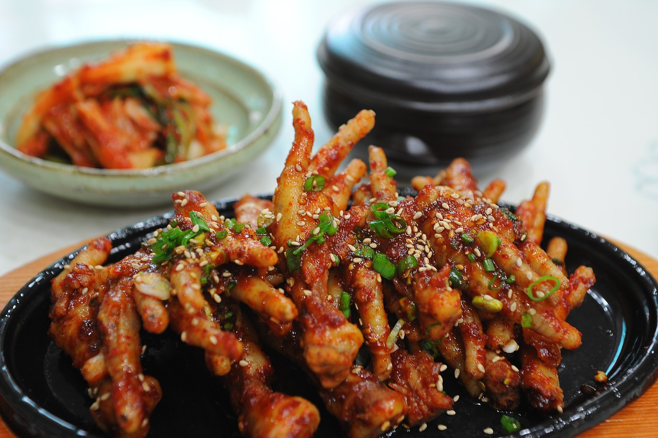 seasoned-chicken-feet-749362_1280