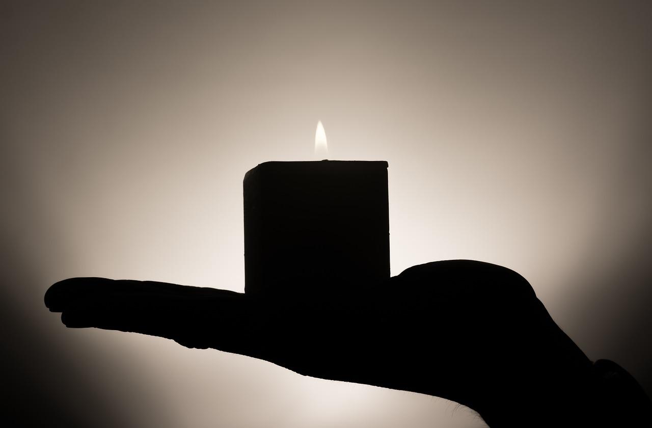 candle-335965_1280